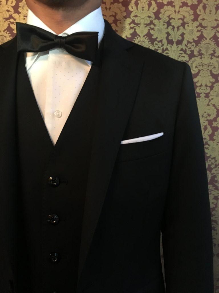 ストレッチブラックスーツ