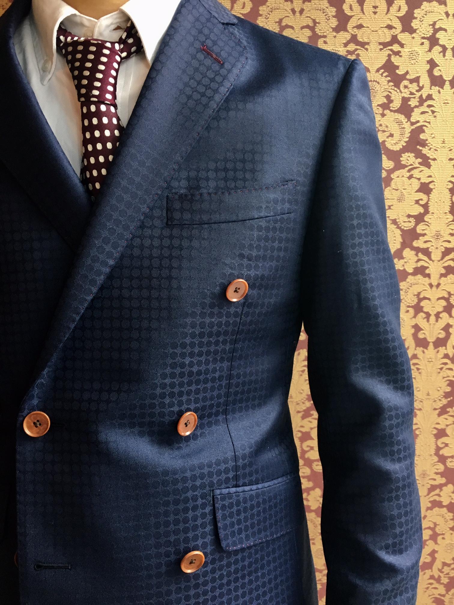 不動の人気 スキャバル社 ドット織柄スーツ